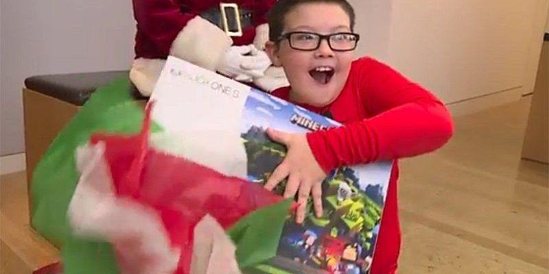 Microsoft Regala un Xbox One S a Niño de 9 Años